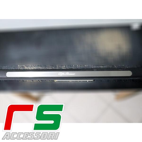 soglia battitacco sottoporta Alfa Romeo 147 3porte acciaio inox illuminato