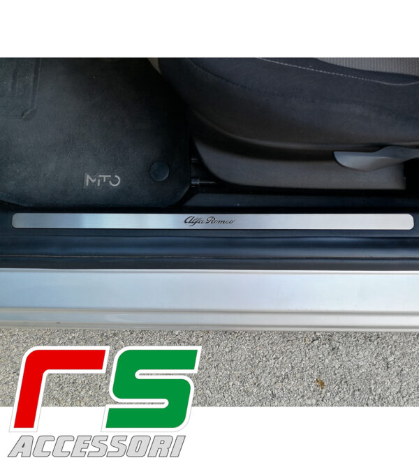 battitacco Alfa Romeo Mito pedana sottoporta in acciaio inox