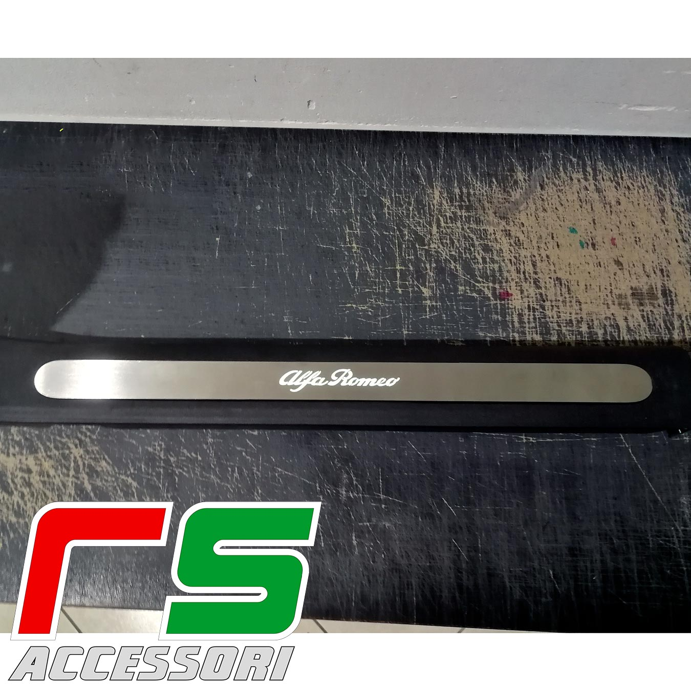 Alfa Romeo Giulietta under door sill panel in illuminated stainless steel