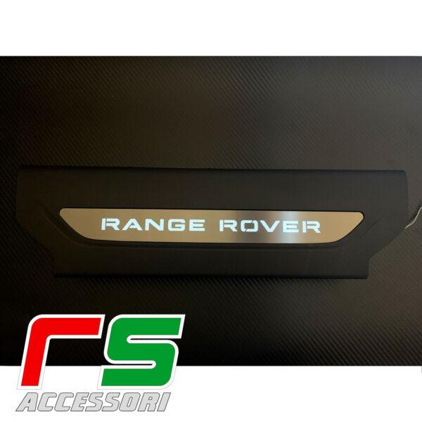 esempio di montaggio range rover velar